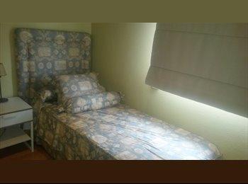 EasyPiso ES - Dos habitaciones de lujo. PENSION COMPLETA, Baño privado, facturas incluid, Sevilla - 450 € por mes